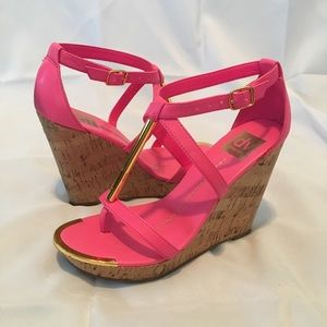 DV Dolce Vita pink cork wedge sandals size 7.5